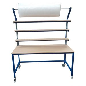 Packing Station with adjustable shelving