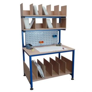 packing station with dividers