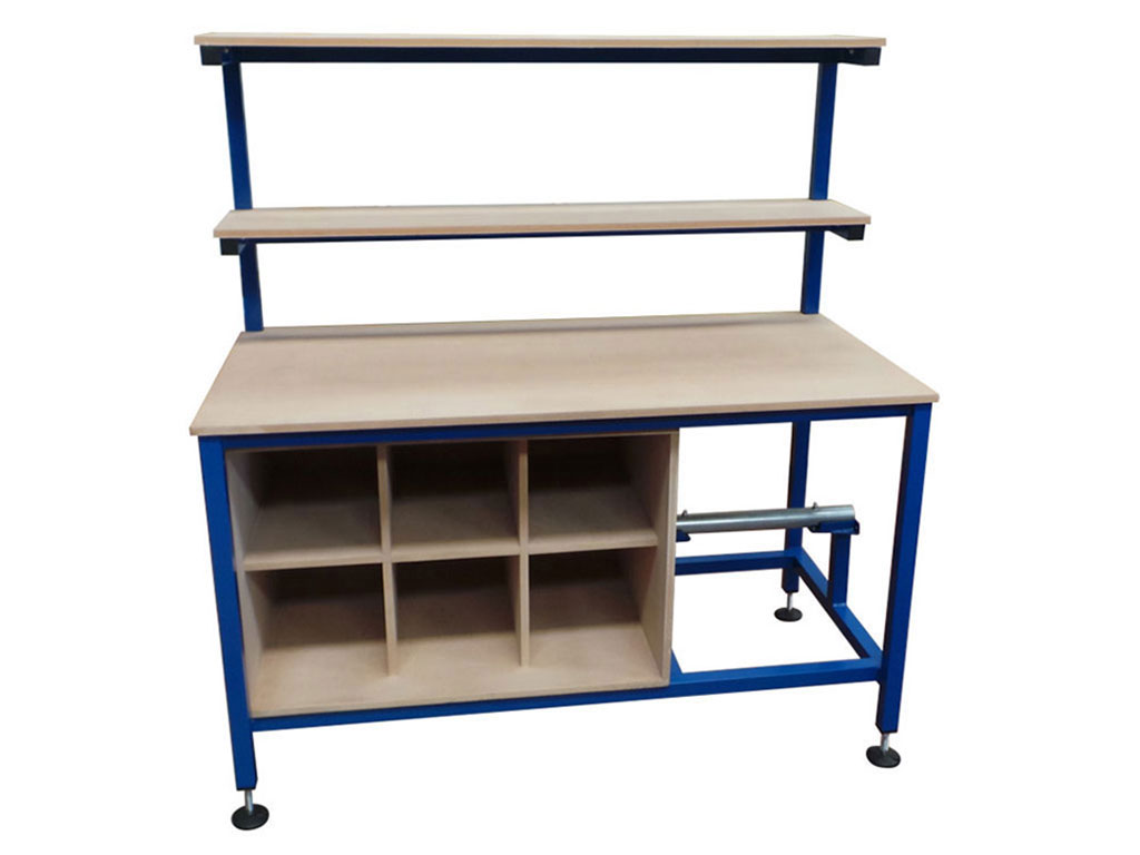 packing table with pigeon holes