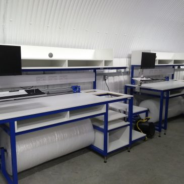 Packing Table with lower Roll holder & Cutter