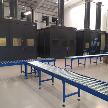 Gravity Roller Conveyor Systems & lift up gate